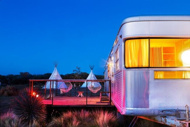 12 Amazing Retro-Chic Trailer Park Resorts to Stay in 2020