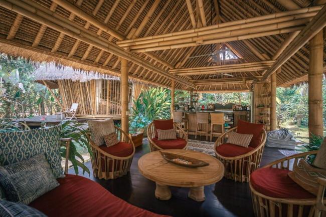 Basket Weave Bamboo Hut