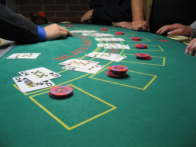 How Card Counting Software Works and Who can use it
